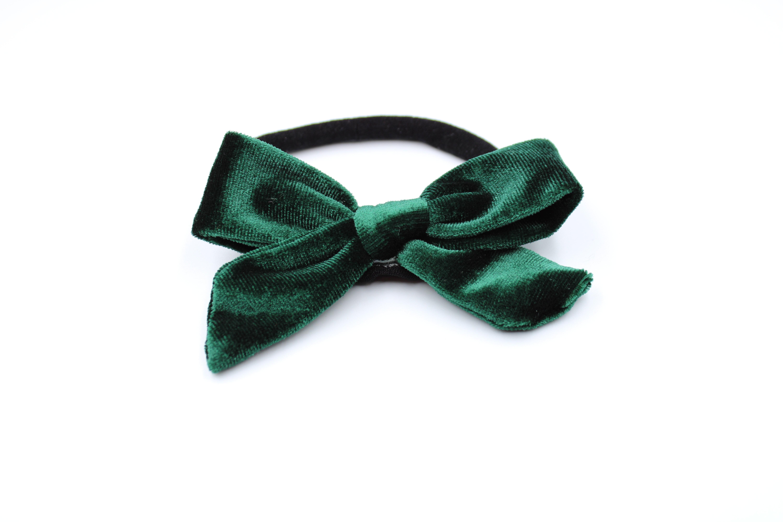 Haarbandje zwart met groene fluwelen strik